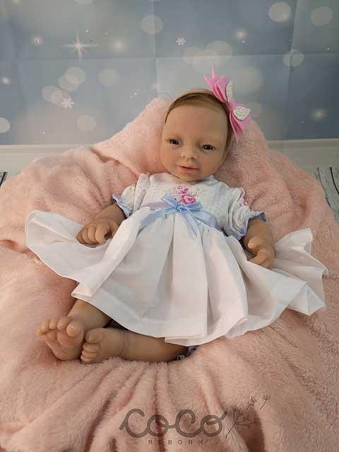 Foto catalogo de producto bebe reborn